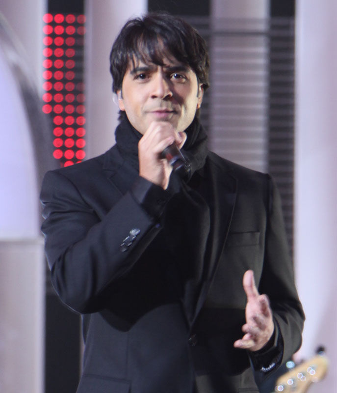 Photo of Luis Fonsi: Puerto Rican actor and musician
