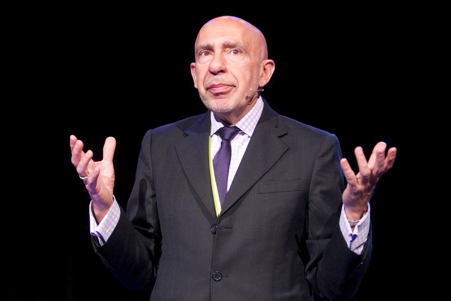 Photo of Mario García (designer): American artist