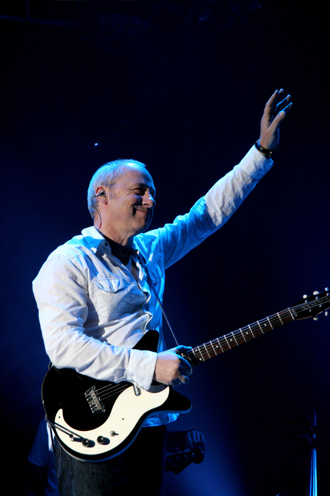 Photo of Mark Knopfler: English guitarist