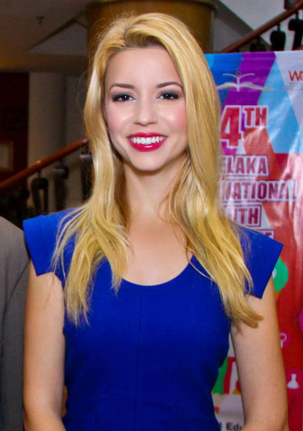 Photo of Masiela Lusha: Actress, writer, author