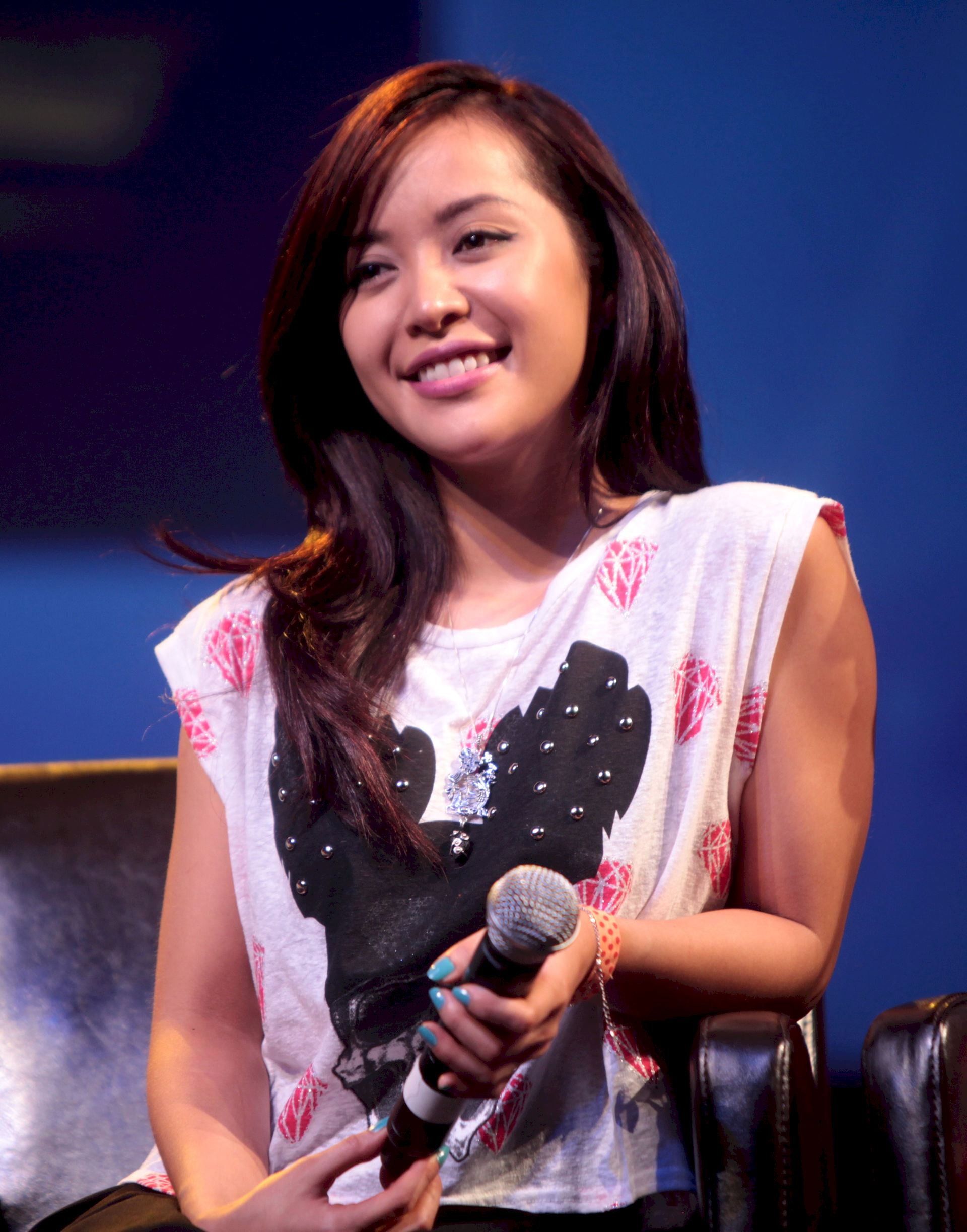 Photo of Michelle Phan: American YouTube personality