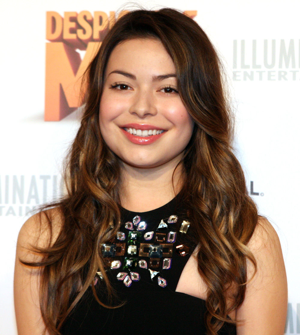 Photo of Miranda Cosgrove: American actress and singer-songwriter