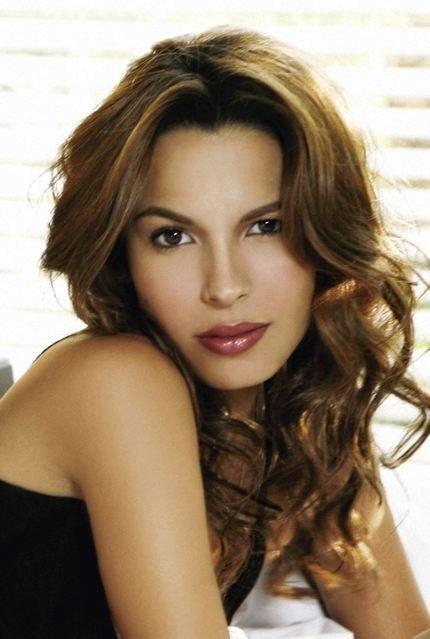 Photo of Nadine Velazquez: American actress