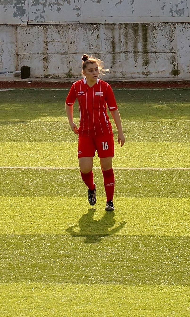 Photo of Nagihan Avanaş: Turkish woman football player