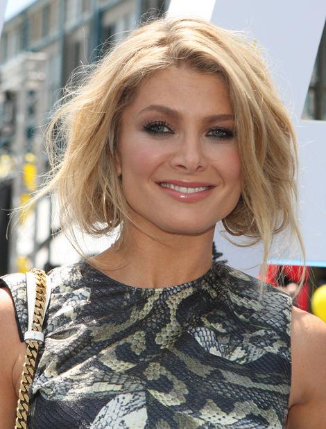 Photo of Natalie Bassingthwaighte: Australian entertainer, singer, actress