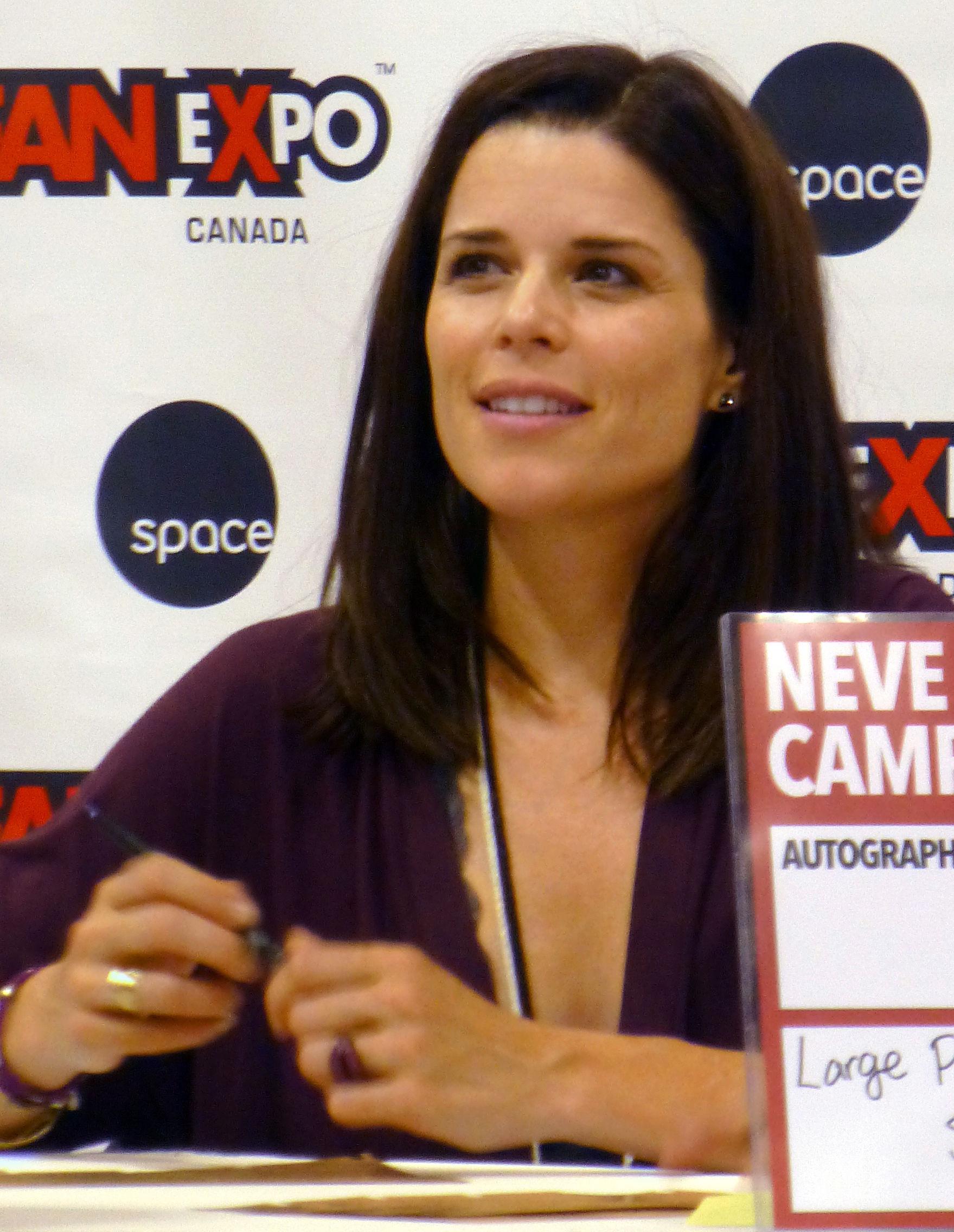 Photo of Neve Campbell: Canadian actress