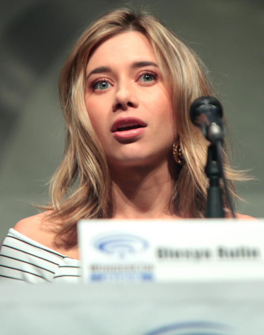 Photo of Olesya Rulin: Actress