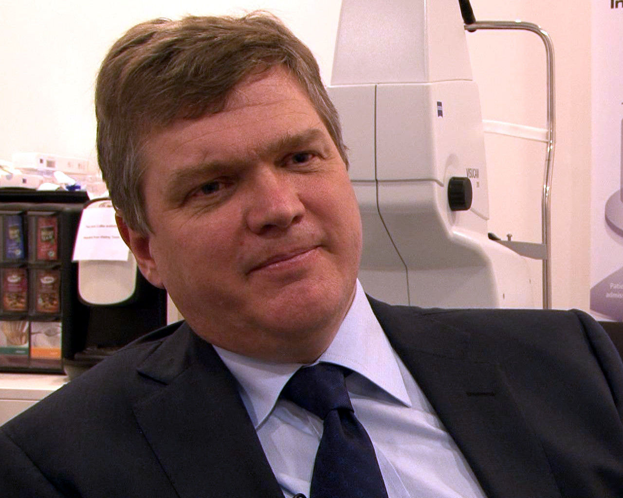 Photo of Ray Mears: Woodsman, author, TV presenter