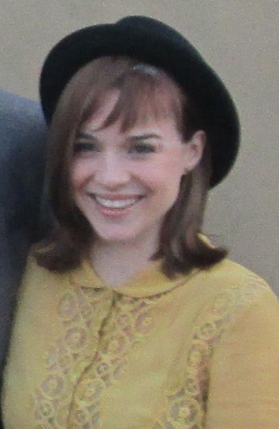 Photo of Renée Felice Smith: American actress