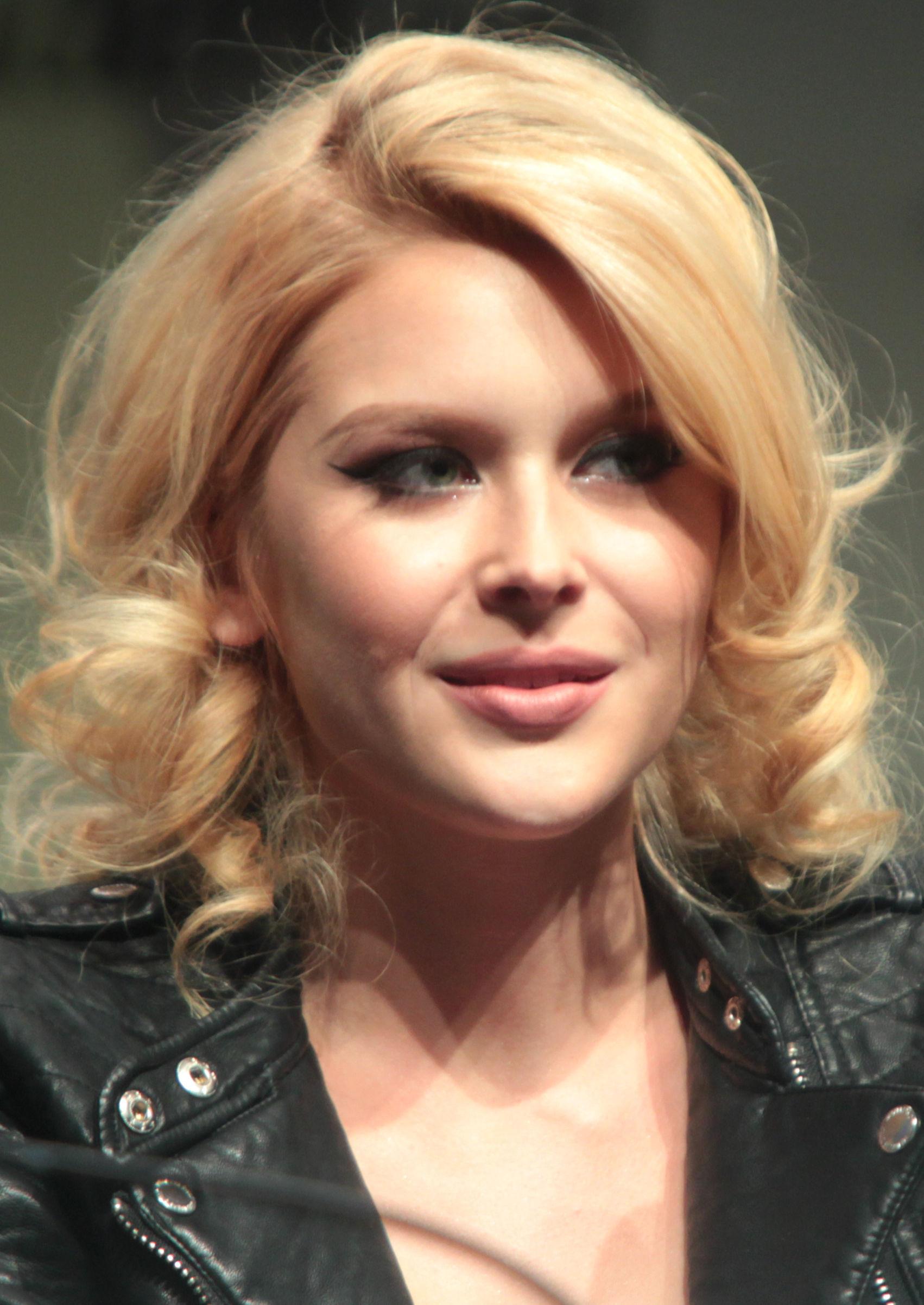 Photo of Renee Olstead: Actress, singer