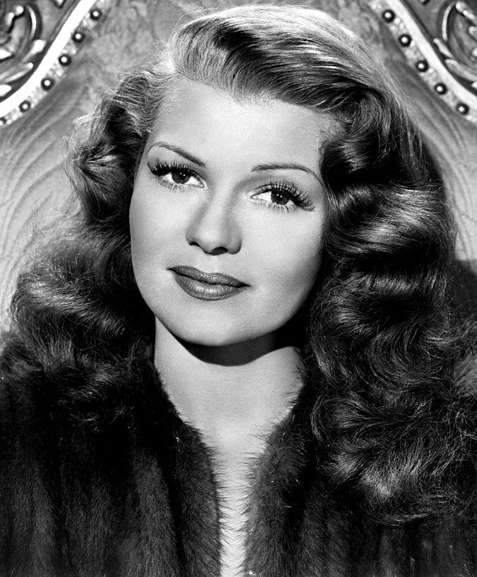 Photo of Rita Hayworth: American director and film actress