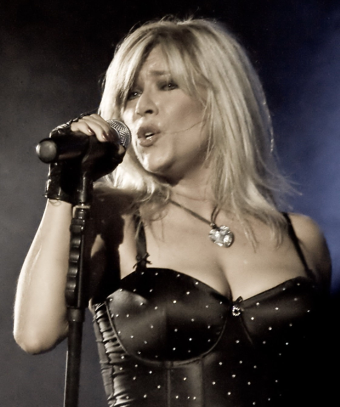 Photo of Samantha Fox: English dance-pop singer, actress, and glamour model