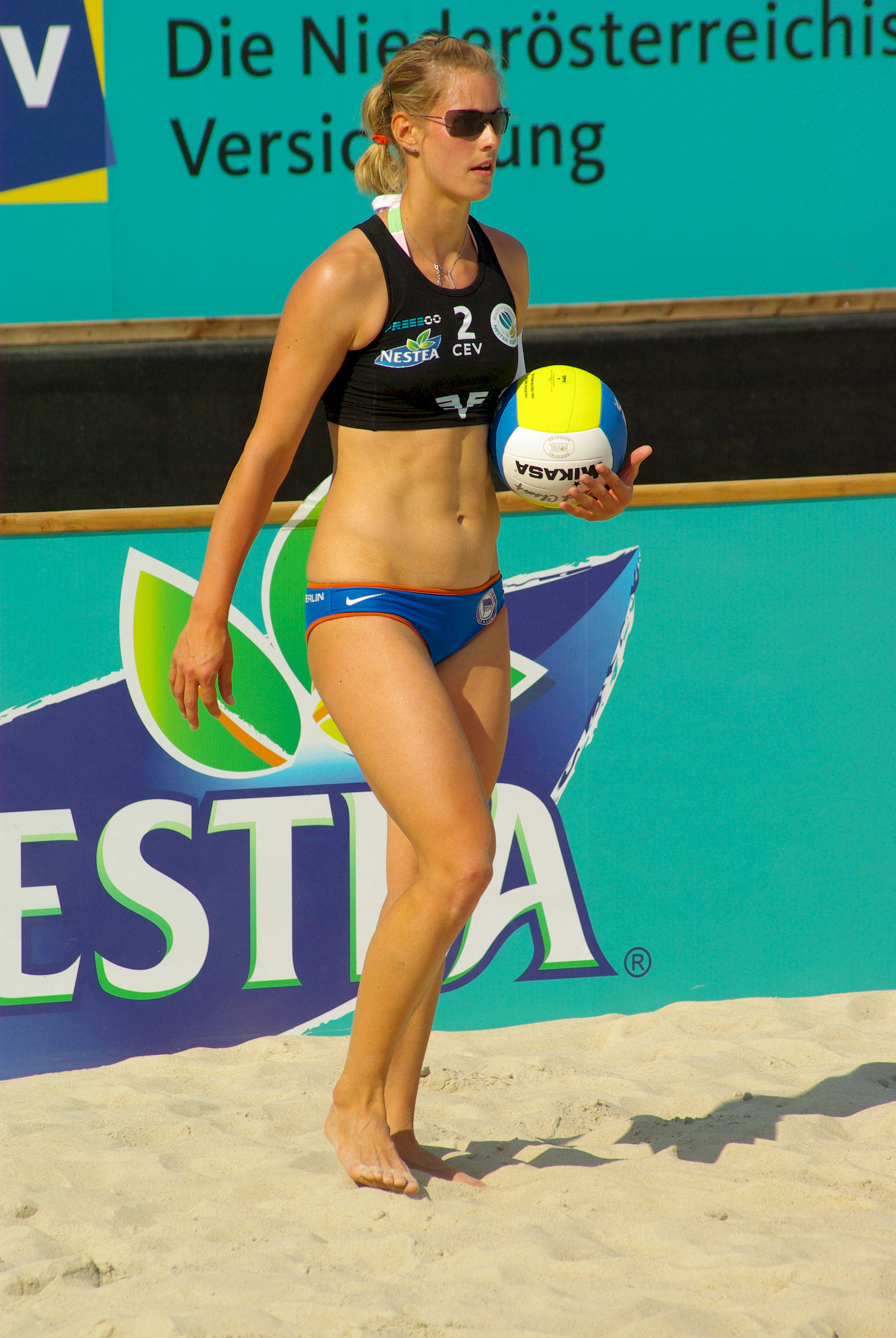 Photo of Sara Goller: Professional German beach volleyball player