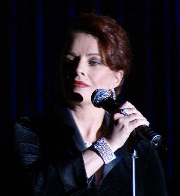 Photo of Sheena Easton: Scottish recording artist