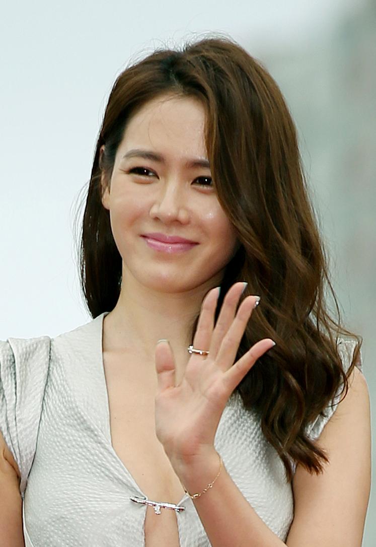 Photo of Son Ye-jin: South Korean actress