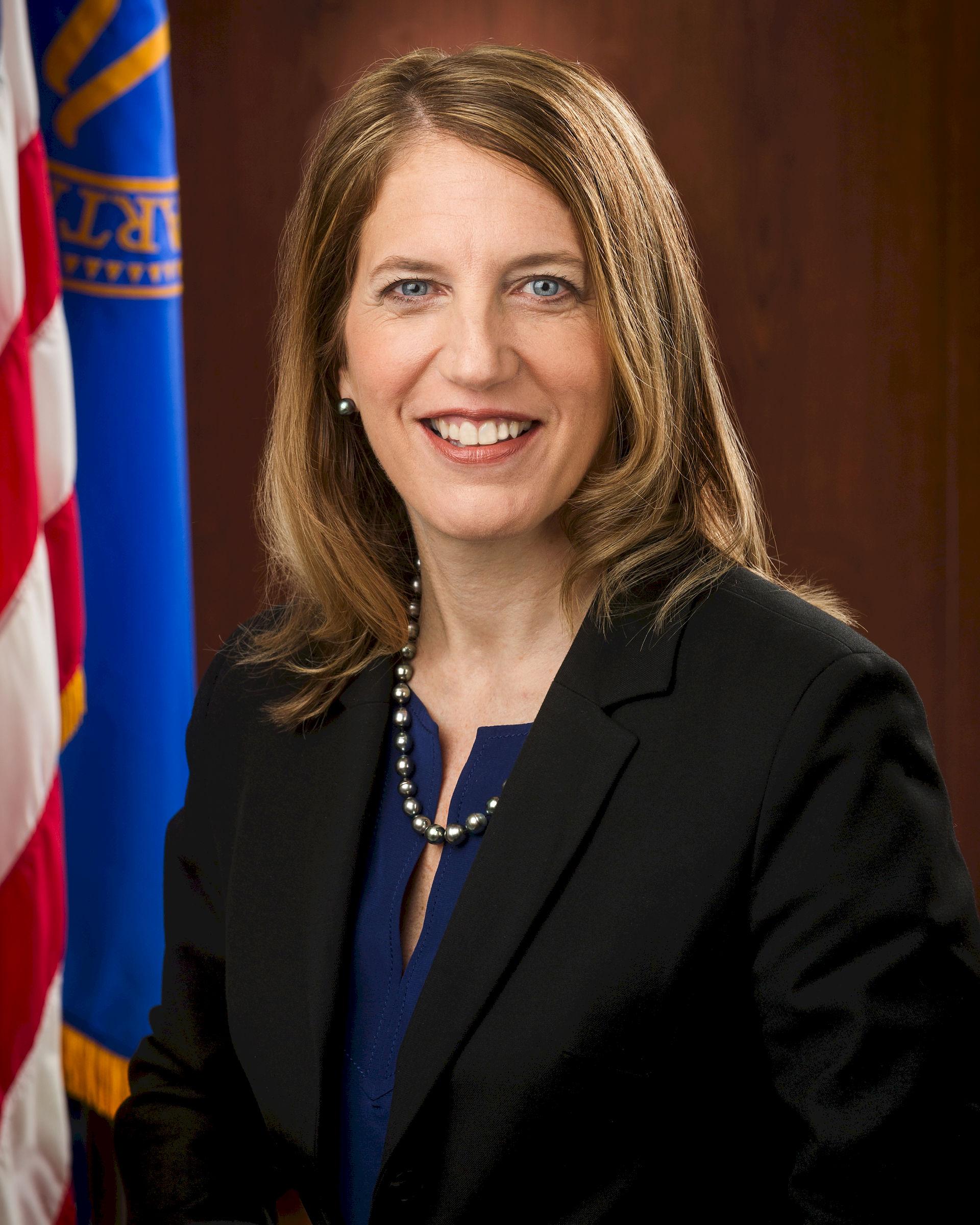 Photo of Sylvia Mathews Burwell: 22nd United States Secretary of Health and Human Services