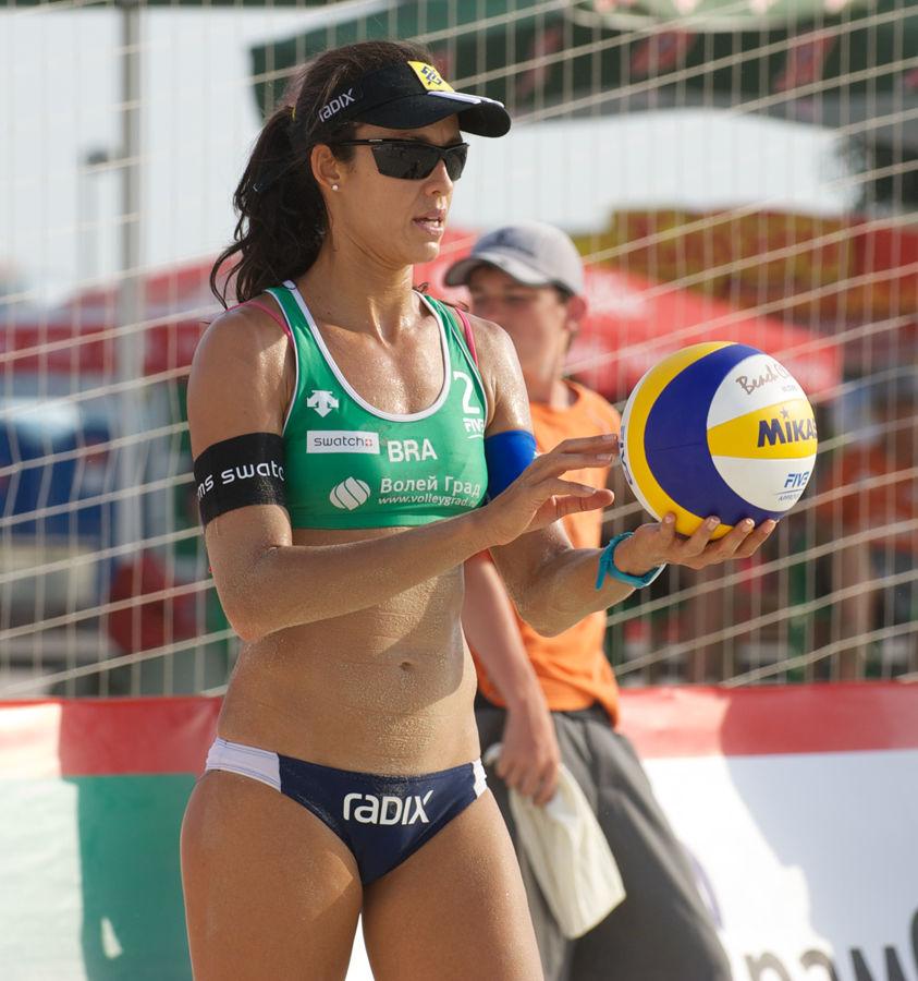 Photo of Talita Antunes: Brazilian beach volleyball player
