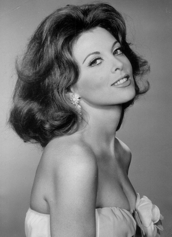 Photo of Tina Louise: Actress, singer, author