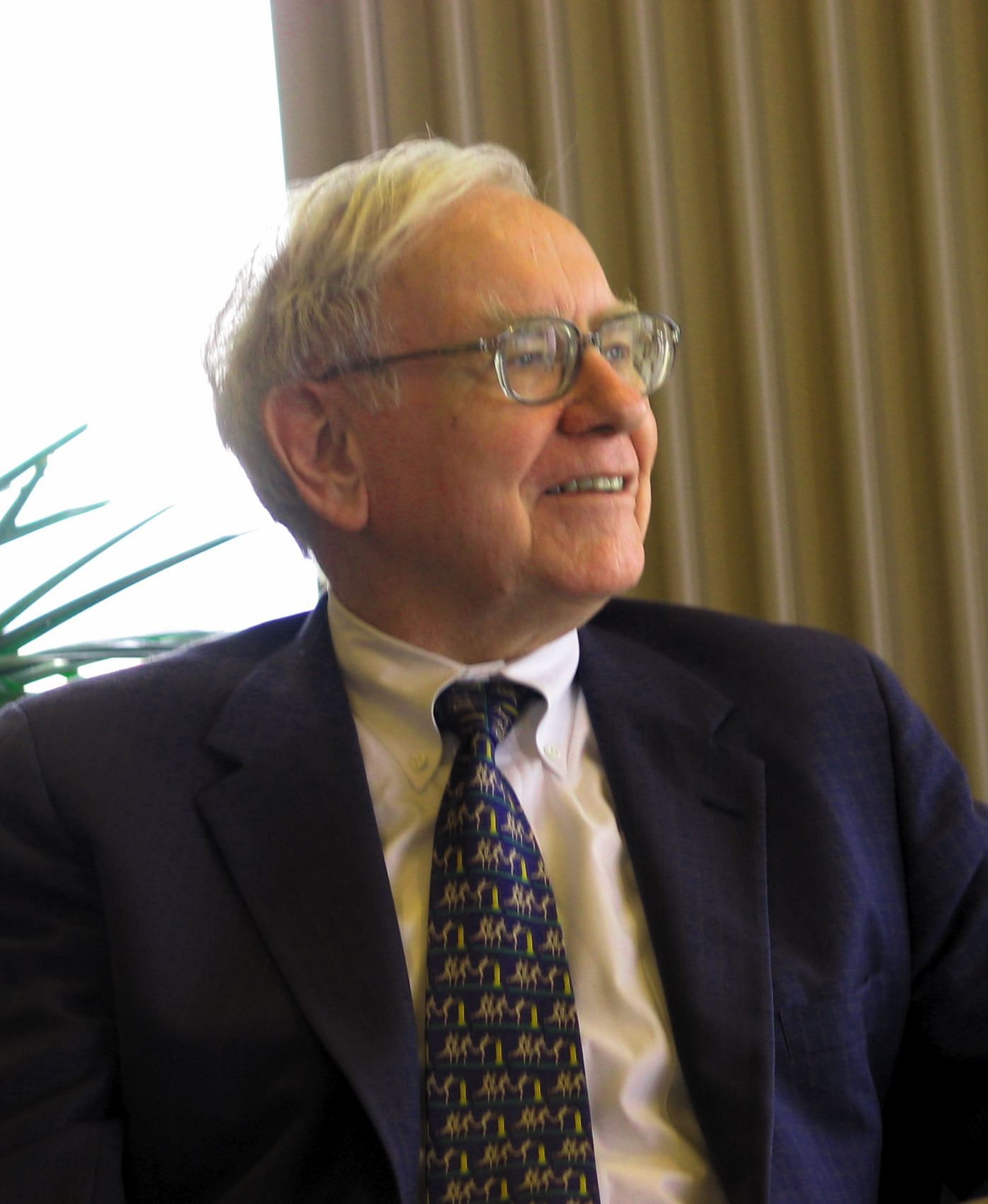 Photo of Warren Buffett: American business magnate, investor, and philanthropist